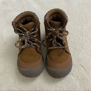 OSHKOSH B'GOSH Toddler Boy's Benito-B Aankle Hiking Suede Boots Size US 9